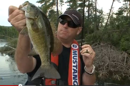 Flipping Jigs in Thick Wood & Feeding Your Line – Dave Mercer's Facts of Fishing THE SHOW