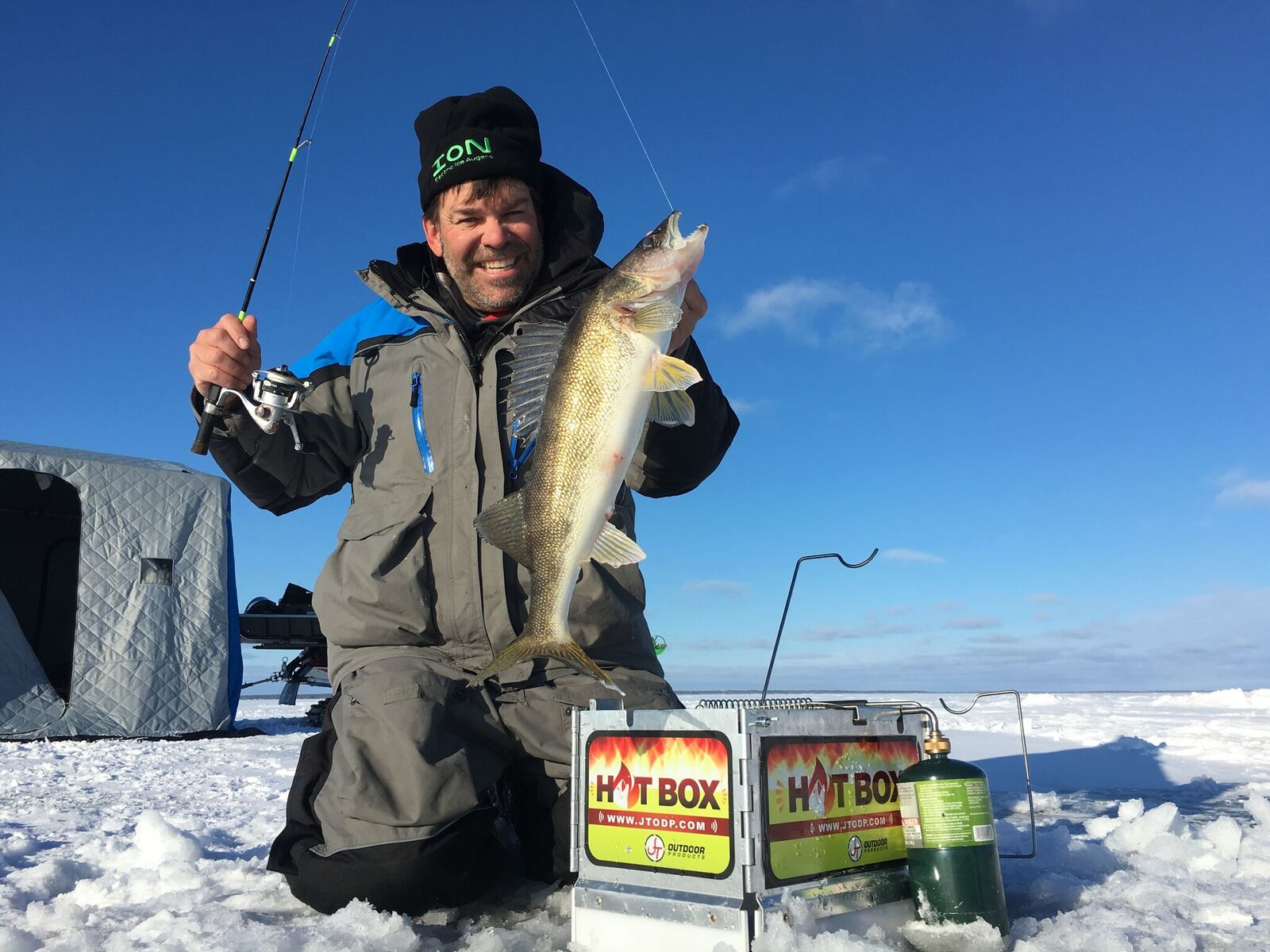 Picking a Walleye Ice Rod